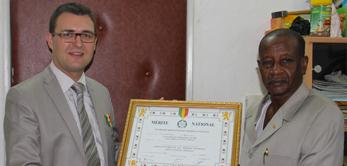 Le 29 novembre 2011, Sébastien Philippe a reçu la médaille de l'Ordre de Mérite National du Mali, à l'achèvement de la Cité Administrative.