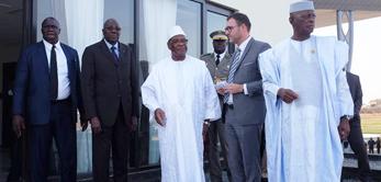 Le 10 janvier 2017, le Président IBK a visité le chantier du nouveau pavillon VIP de l'aéroport international Président Modibo Keïta de Sénou.