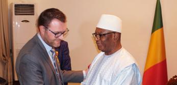 Le 18 avril 2017, Sébastien Philippe a été nommé Chevalier de l'Ordre National du Mali, à l'achèvement des travaux du Palais de Koulouba.